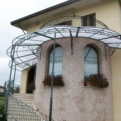 Fabbri: tettoia in ferro battuto