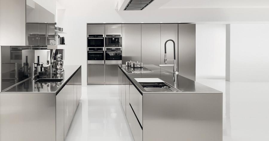 Rinnovare la cucina trucchi e prezzi habitissimo - Cucina in acciaio inox ...