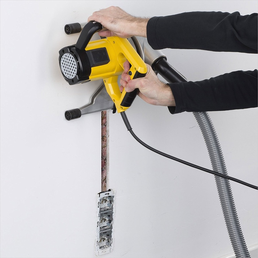 Tracce nel muro per cavi elettrici