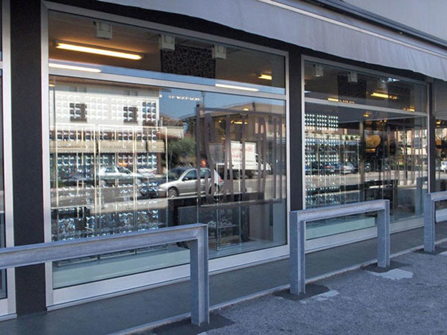 Preventivo vetrina negozio online habitissimo - Costo finestre doppi vetri ...