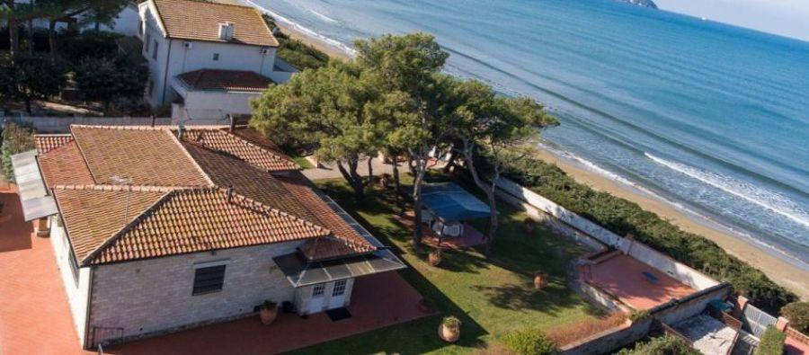 Villa singola al mare