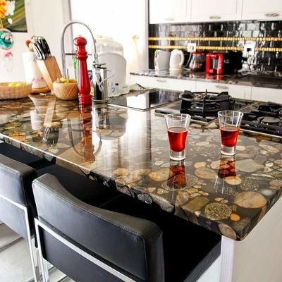 Top cucina in granito multicolore