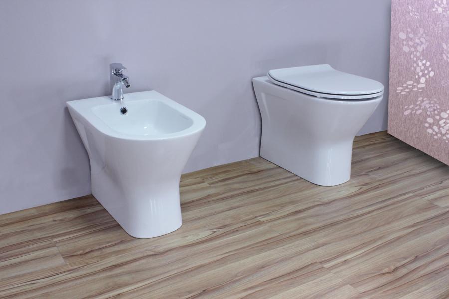 Preventivo installare o cambiare sanitari online habitissimo for Water bidet due in uno