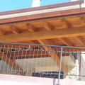 Tettoia in legno lamellare di abete