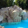 cascate e scivolo su piscina