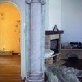 Colonna in finto marmo