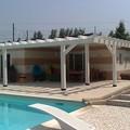 creazione di aree relax con strutture in legno e pavimentazioni in palladiana
