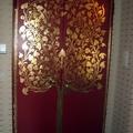 Decorazione a foglia oro di Porta Blindata de La Bottega degli Stucchi