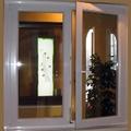 finestra a 2 ante bianca