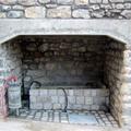 Fontana comunale in pietra