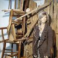 legno vecchio e sedie