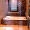 Nuovo bagno in marmo e mosaico