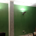 Parete decorata in verde su campione cliente