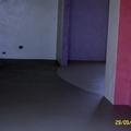 pavimento abbinato a due colori , rivestimento pareti in resina