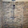 Posa Pietre decorative su pareti e angolo doccia