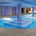 Rivestimento vasca piscina e zona wellness in klinker