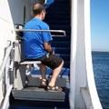 Servoscala con utilizzatore a bordo