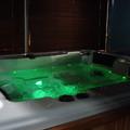Vasca idromassaggio con cromoterapia