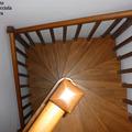 Visuale dall'alto scala a chiocciola quadrata