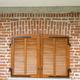 persiana di finestra con centina accentuata