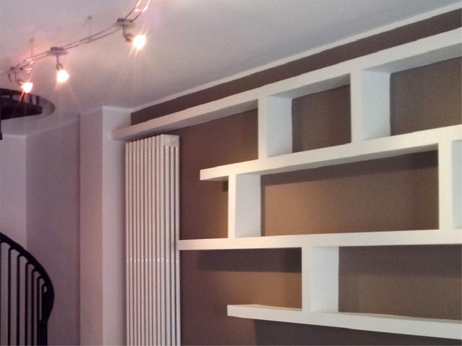 Foto mensole cartongesso di arte colore 299942 habitissimo for Arredamento mensole a parete