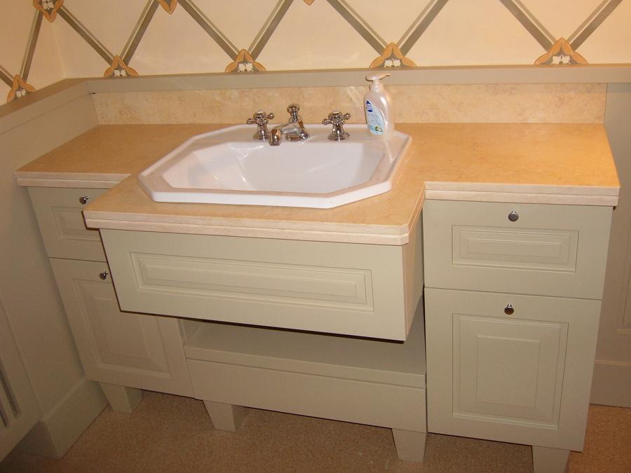 Foto mobile bagno laccato su misura di fabriano - Mobile bagno su misura ...