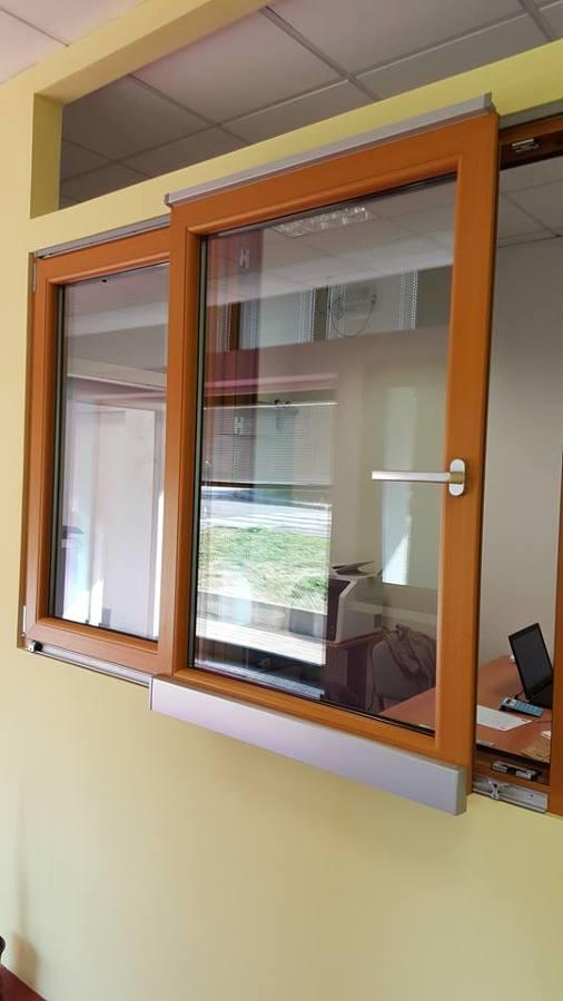 foto finestra scorrevole con anta ribalta di gruppo erre