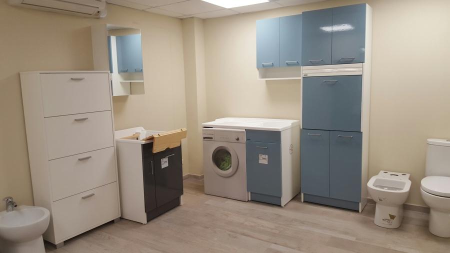 foto esposizione mobili lavanderia colavene di de castro