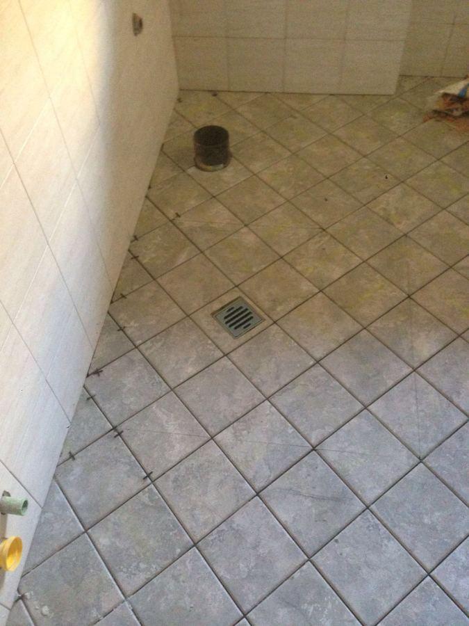 Foto posa pavimento in bagno di edil vasile rosu 393318 - Piastrellisti a trieste ...