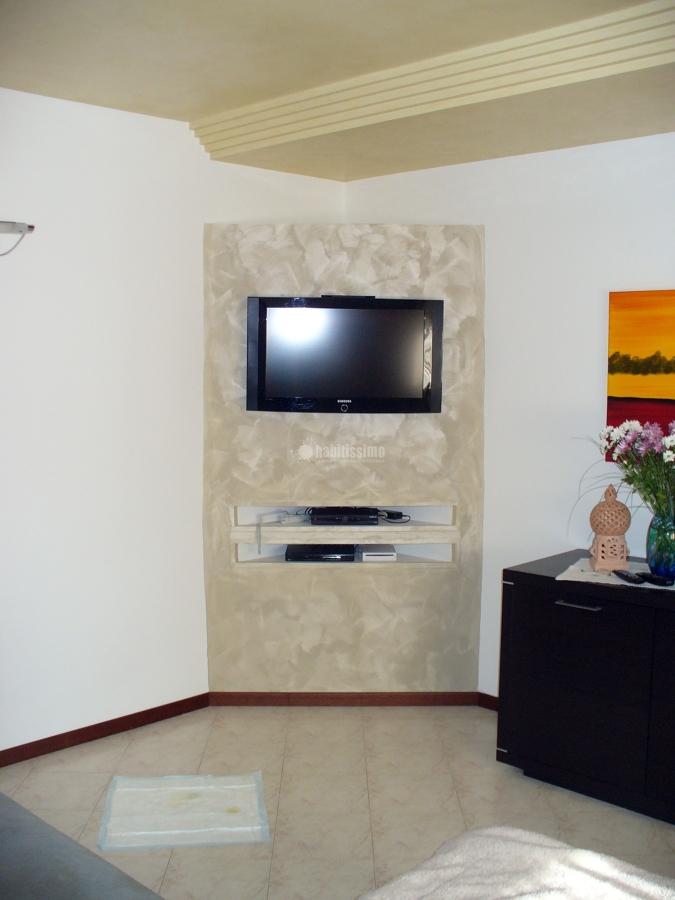 Foto mobili porta tv di scala rosario 3321 habitissimo - Mobili in cartongesso per tv ...