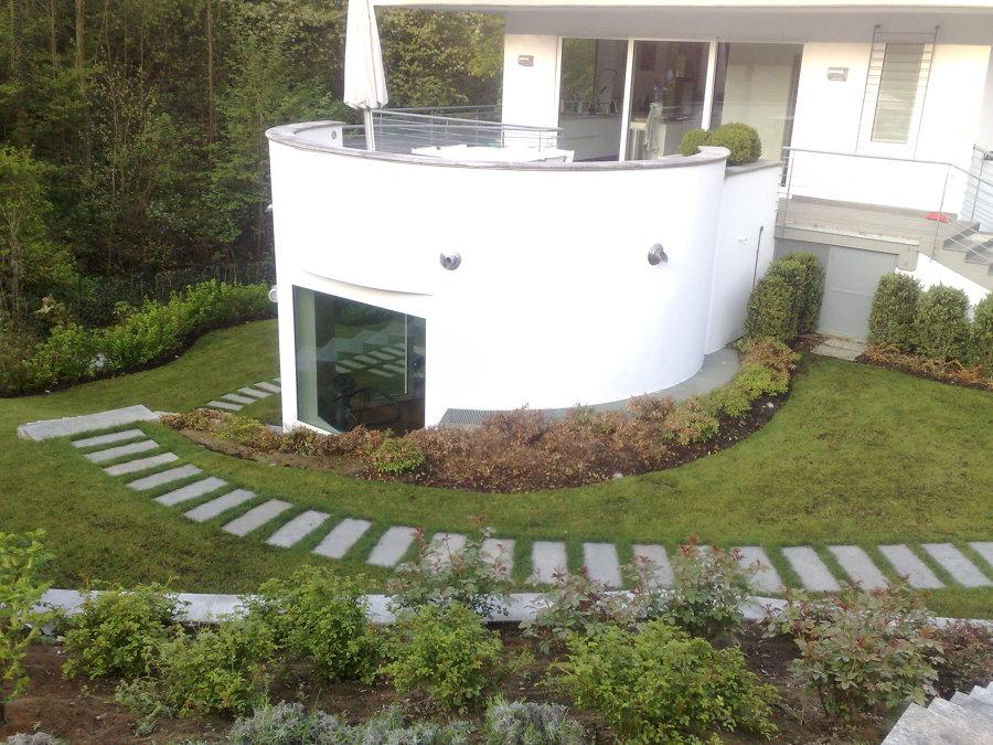 Foto sistemazione giardino di architettura e impresa for Sistemazione giardino