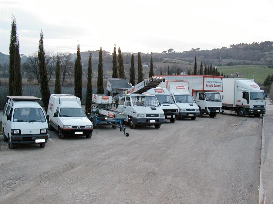 Foto magazzini custodia mobili traslochi locali for Magazzini mobili