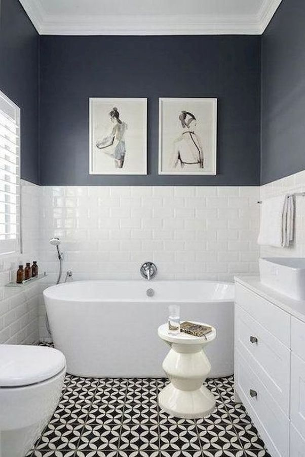 Bagno bianco-blu