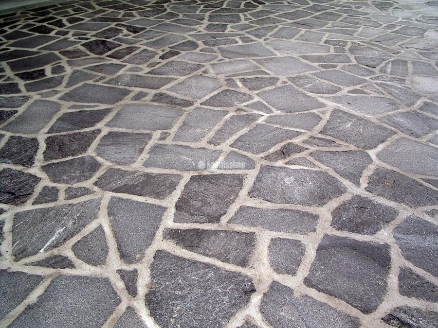 Pietra, Mosaico In Beola, Lavorazioni Spacco