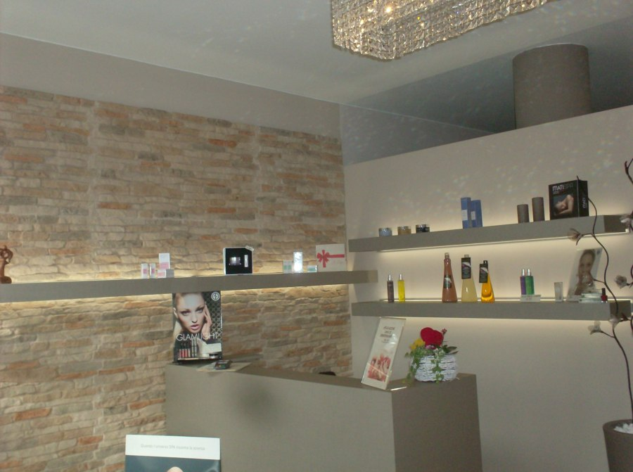 Foto accettazione centro estetico di stiledil 203427 for Arredamento centro estetico prezzi