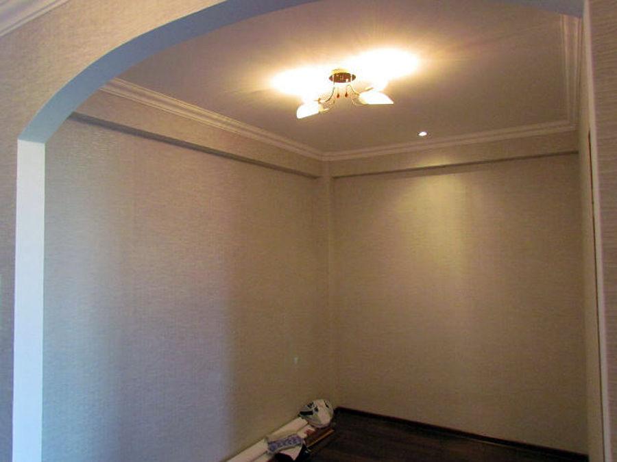 Foto angolo di sala con finiture in cartongesso di style for Cartongesso sala