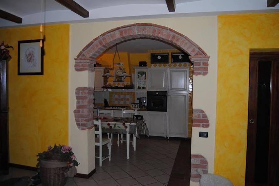 Foto arco con mattoni pieni di rutigliano fratelli snc impresa edile di rutigliano michele - Cucina in mattoni faccia vista ...
