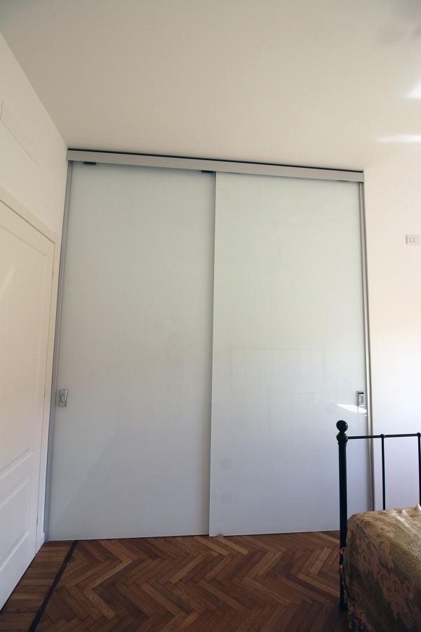 Foto chiusura cabina armadio de artigiana extra srl - Cabina armadio ante scorrevoli ...