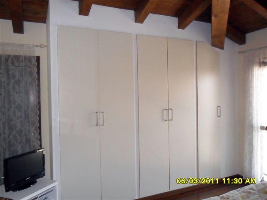 Foto armadio a muro de b f brugoletta francesco 41478 for Interno armadio a muro