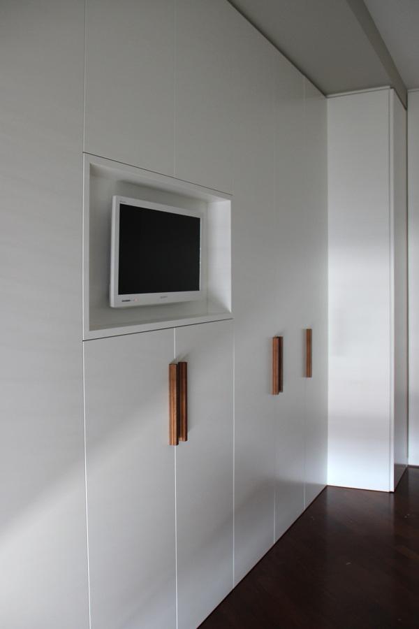 Foto: Armadio con Tv a Incasso di Enrica Leonardis Architetto ...