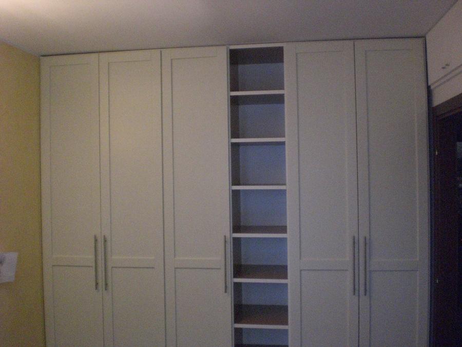 Foto armadio su misura de la torretta di ghezzi francesco for Mensole laccate su misura