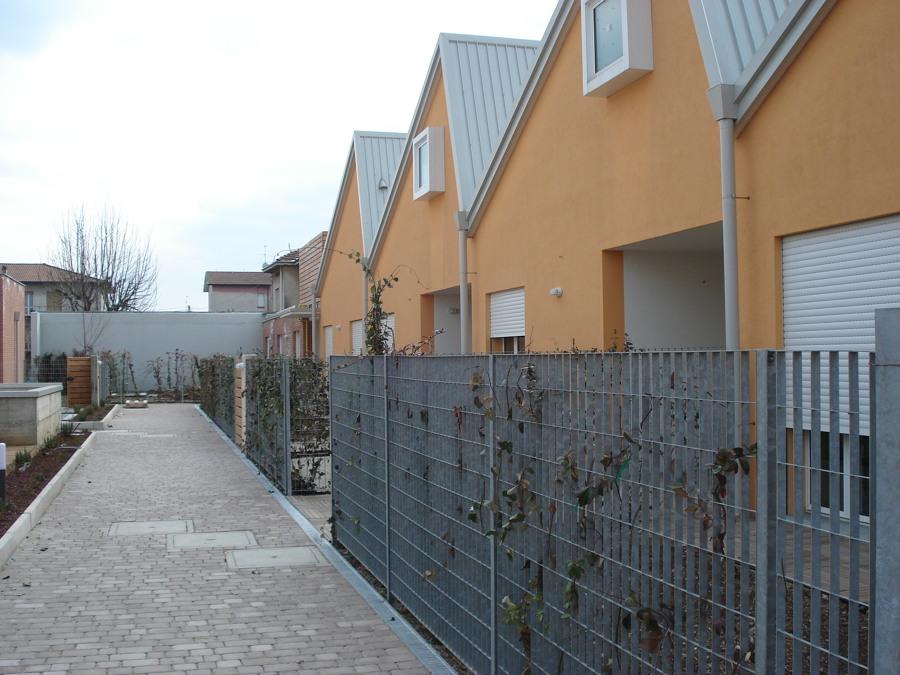 Foto edificio in arosio parte laterale di ice fumagalli for Fumagalli case prefabbricate prezzi