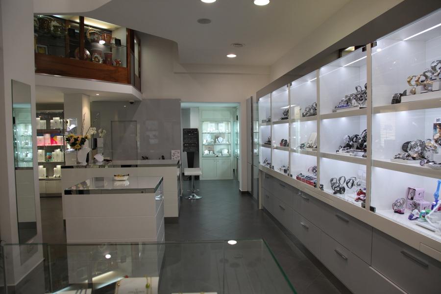 Foto arredamento gioielleria di acmgdesign 251932 for Arredamento per gioielleria