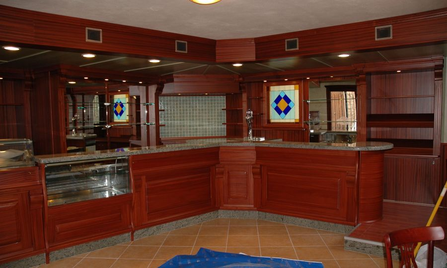 Foto arredo bar di sanna legno 192875 habitissimo for Arredo bar lecce