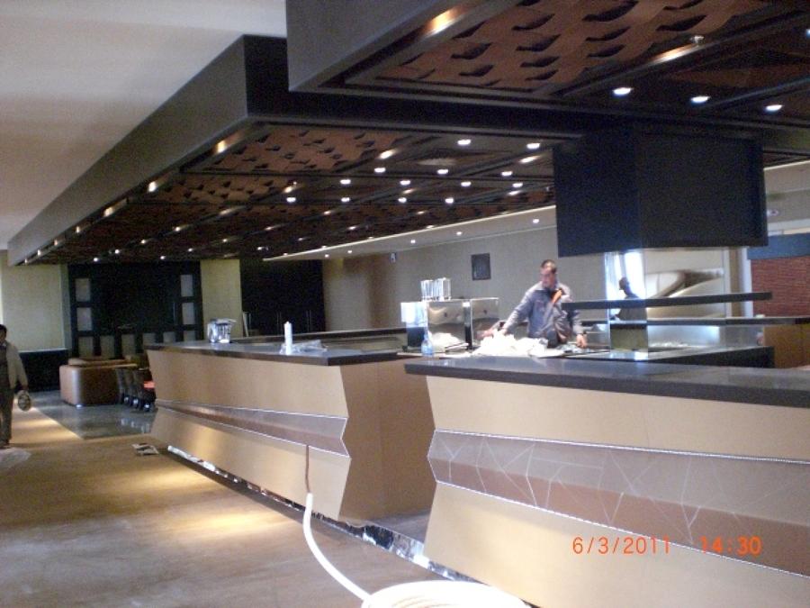 Foto arredo ristorante bar de srl 77128 for Arredo bar lecce