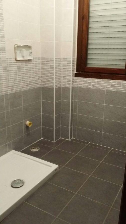 Foto bagno busto piastrellatura de termoidraulica amica carollo 247103 habitissimo - Piastrellatura bagno ...