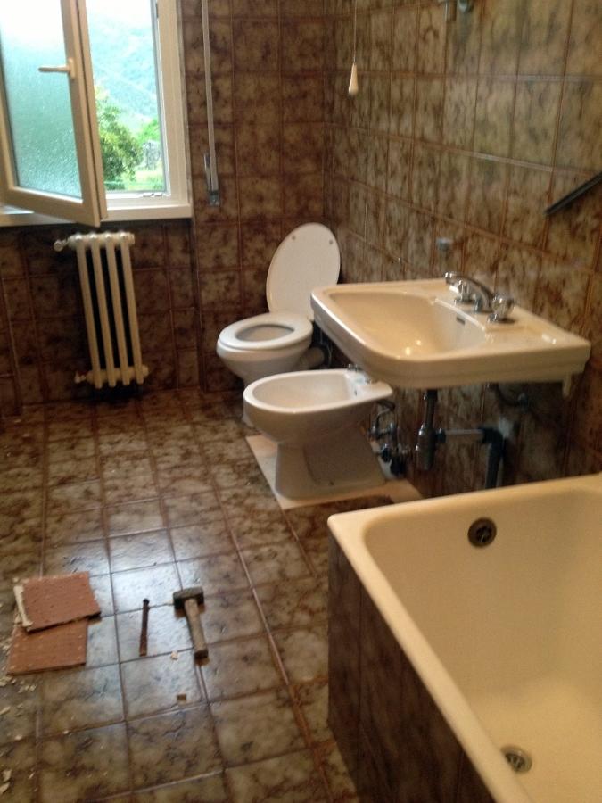 Foto: Bagno da Ristrutturare Completamente Zappino Costruzioni di Zappino Costruzioni #115455 ...