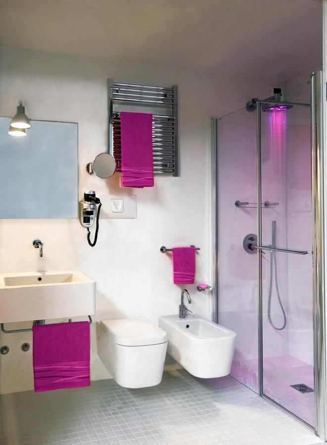 Foto bagno domino da cm 265x115xh254 de ala rational for Idea bagno trento