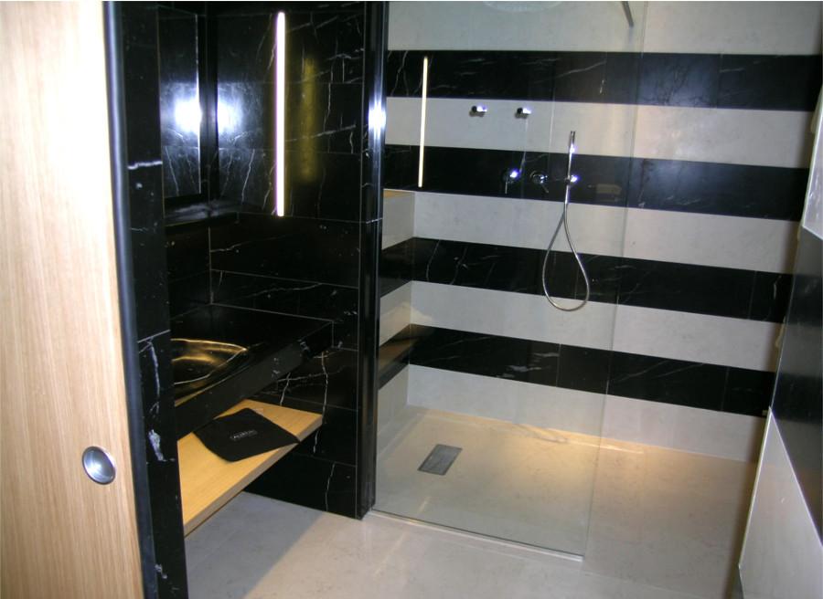 Eccezionale Foto: Bagno In Marmo Biancone e Nero Marquinia di De Stefani Marmi  CG62