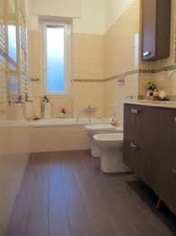 Bagno Con Pavimento Effetto Legno: Bagno con gres effetto legno marmo armonie by arte casa.